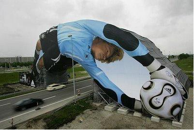 Ambient Marketing - Le opere d'arte di Adidas Football