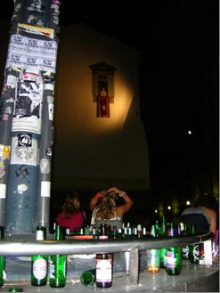 Diesel Wall Milano - Il papa benedice le colonne di S. Lorenzo, veduta notturna