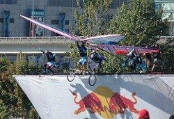 Fox Channel fa guerrilla al Red Bull Flugtag Event