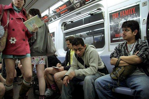 No Pants Day a New York contro il grigiore quotidiano