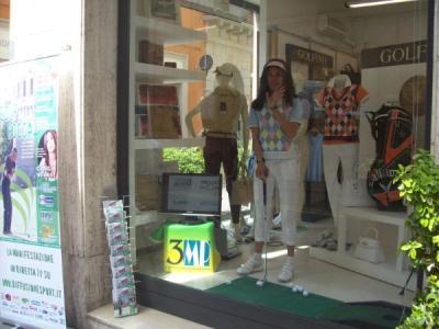 si_gioca_a_golf_in_vetrina2
