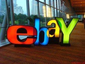 eBay lancia l'allarme: pericolo di blocco per le aste online?