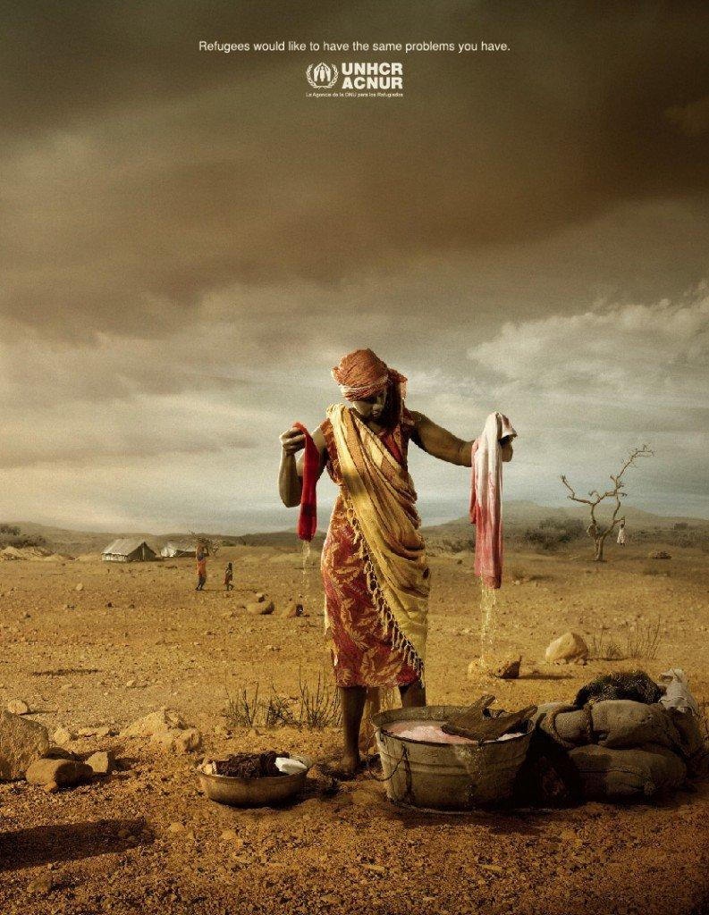 Campagna social di UNHCR ACNUR panni