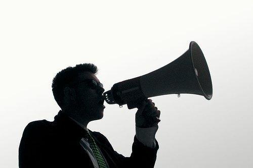 """La comunicazione nella """"me-society"""": traiettorie di accesso al palinsesto personale."""