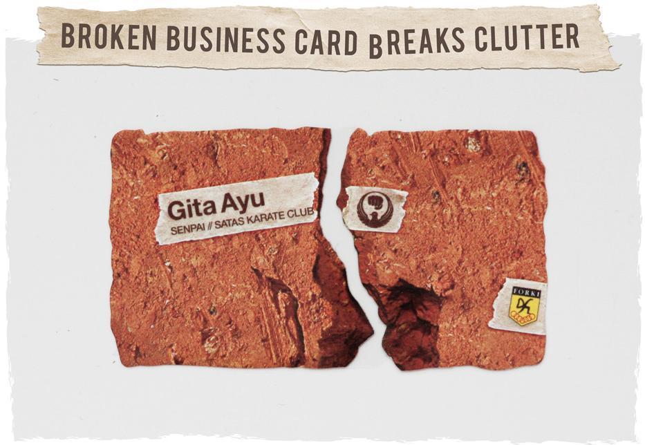 Karate club business card: ecco come ti spezzo il mattone