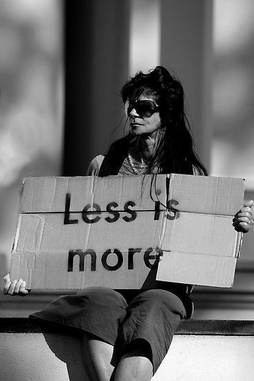 Less is more: un bando di concorso per il sociale