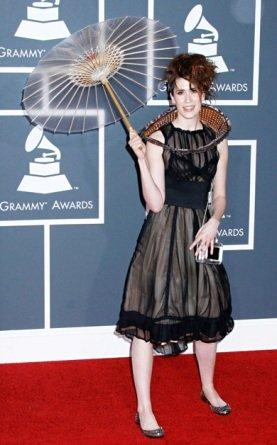 Il Twitterdress debutta ai Grammy con Imogen Heap