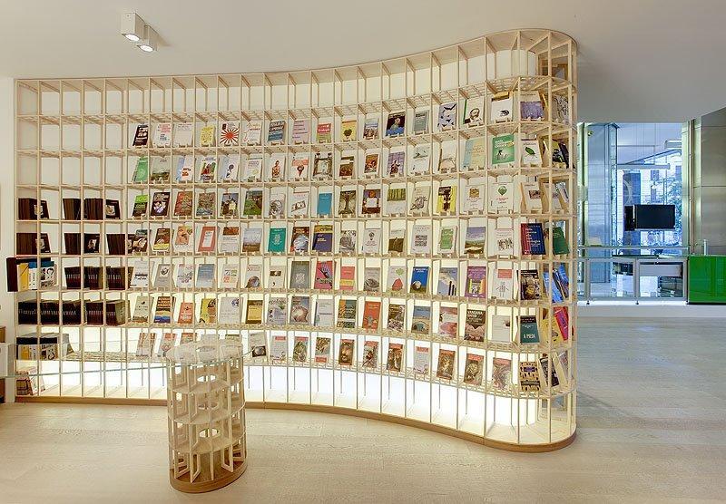 Valcucine riunisce cultura e sostenibilità nell'Eco Bookshop