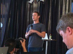 "Zuckerberg presenta la Facebook mail: ""Non è un Gmail Killer, è una Gigabox Killer"""