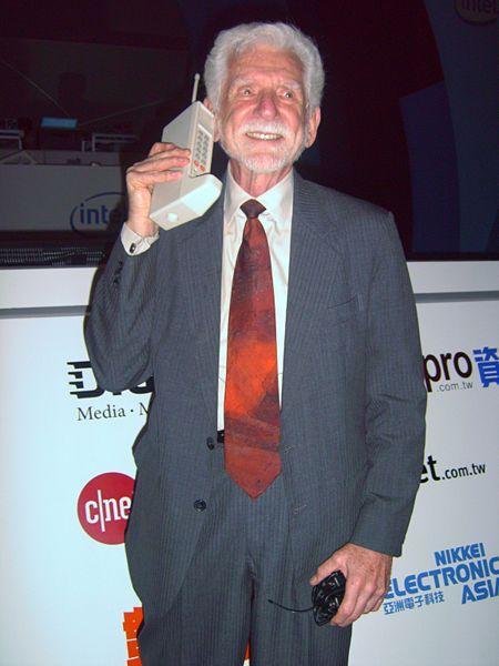 chi ha inventato il cell phone. eccolo!