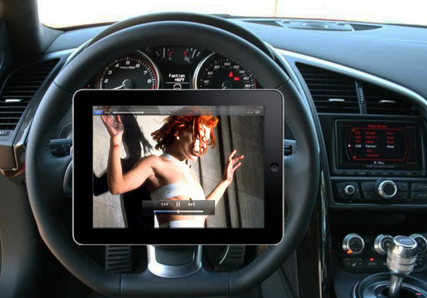 Come ti porto l'iPad in macchina. I consigli con uno Spot BMW [Mobile Trends]