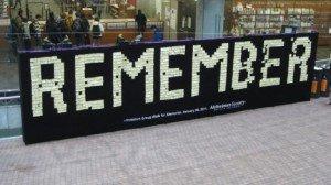 Il muro della memoria per ricordare l'Alzheimer
