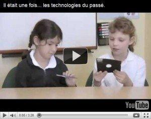 Bambini moderni vs. vecchie tecnologie, un connubio virale!