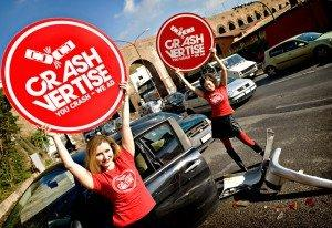 CrashVertise: l'incidente stradale diventa uno strumento pubblicitario [GUERRILLA]