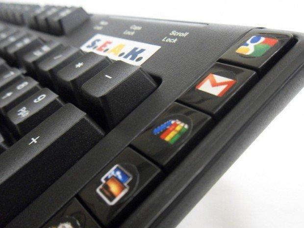 Seak e Snak: search e social integrati nella tastiera!
