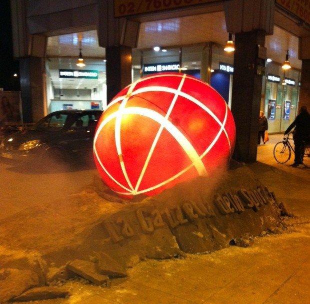 Gazzetta.it: enormi meteoriti nelle maggiori piazze italiane