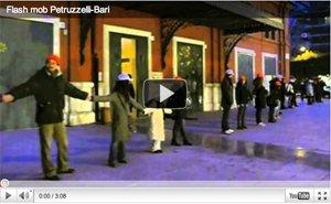 Non facciamo annegare la cultura! Flash Mob di giovani pugliesi [VIDEO]