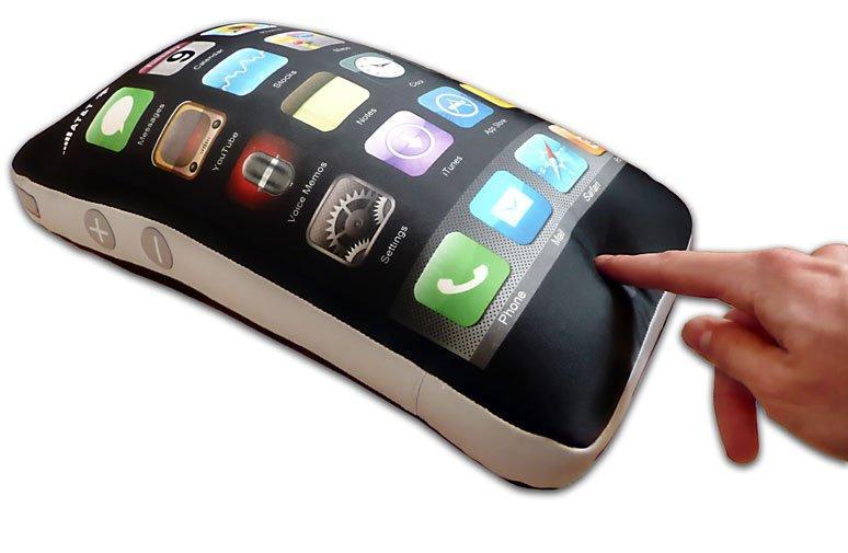 Sogni d'oro con il cuscino a forma di iPhone