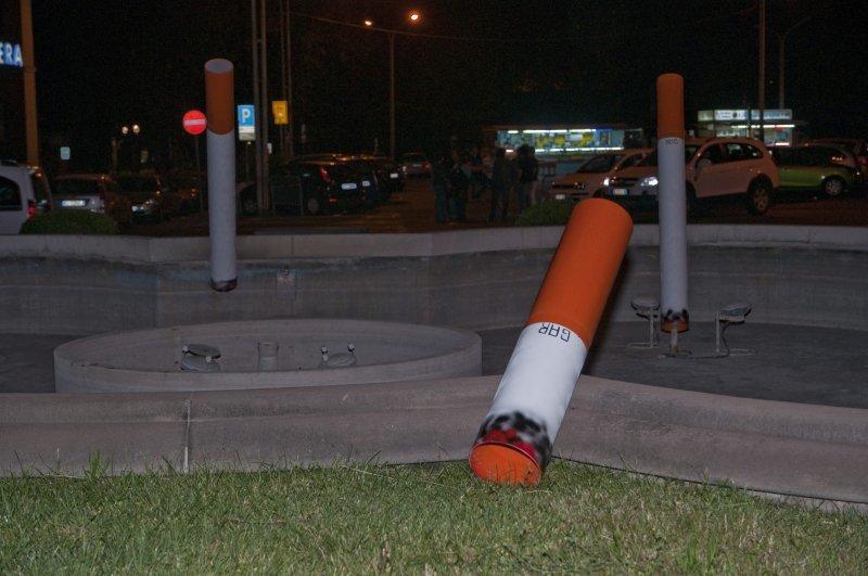 Gruppo Azione Risveglio trasforma le fontane di Catania in posaceneri