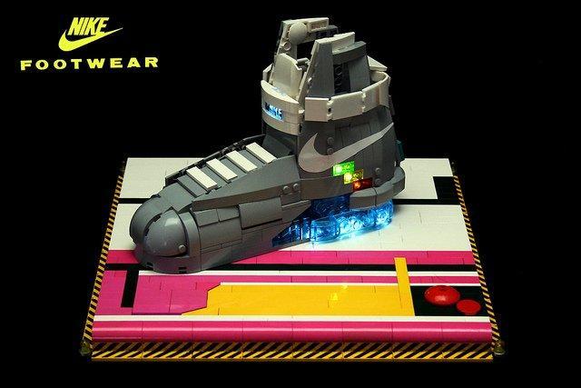 Le Nike Air Mag costano troppo: mai pensato ai Lego?