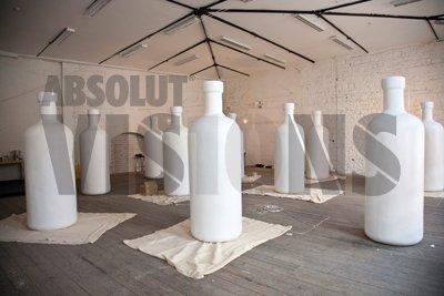 Visions by Absolut Vodka: le bottiglie alte due metri e mezzo