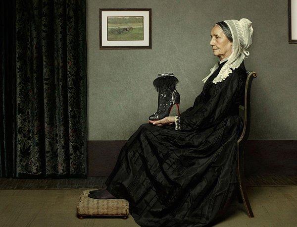 Le scarpe di Louboutin si fondono con le opere d'arte del passato