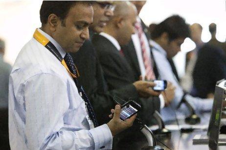RIM rimborsa gli utenti BlackBerry con 100 Dollari in App Premium