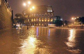 Nubifragio su Roma: #romacambia e la cronaca che diventa protesta