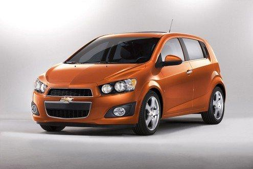 Chevrolet lancia la nuova city car Sonic col bungee jumping