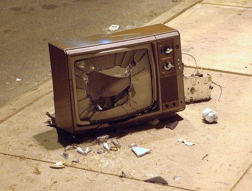 #bedTV, ovvero i tweet sull'annuncio della nuova TV di Berlusconi