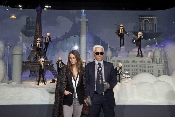 Karl Lagerfeld ai magazzini Printemps di Parigi