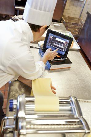 Tablet for foodies: 4 buoni motivi per avere un tablet in cucina