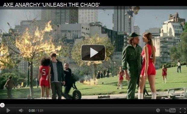 """AXE """"scatena il caos"""" per il lancio della prima fragranza femminile"""