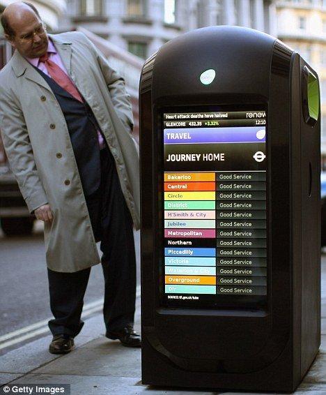 In arrivo nelle strade di Londra i bidoni intelligenti con doppio LCD