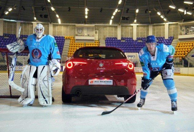 Si può giocare ad Hockey in auto? Lo Spot Alfa Romeo girato da iPhone