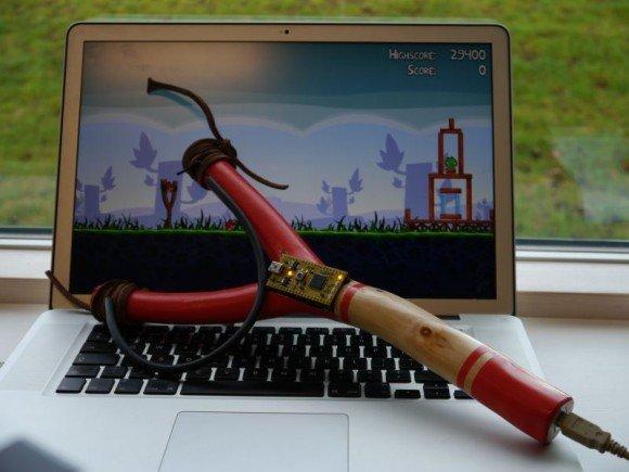 Come costruire una fionda usb per giocare ad Angry Birds!
