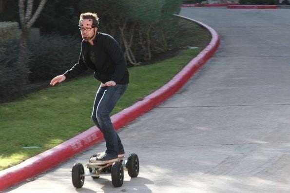 Lo skateboard controllato con la forza del pensiero