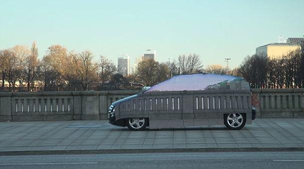 Mercedes e la macchina invisibile