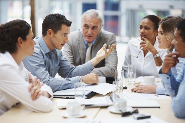 Di quante persone dovrebbe circondarsi un CEO?