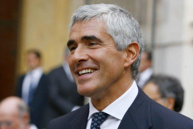 Politica e Twitter: Casini scioglie il Terzo Polo con un tweet