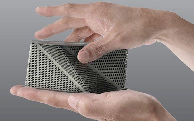 Viva Docking Speaker, un origami come altoparlante per Android e iPhone