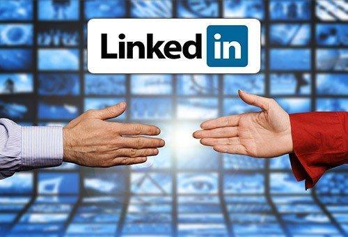 LinkedIn attiva gli #hashtag e dice grazie ai suoi utenti per i traguardi raggiunti