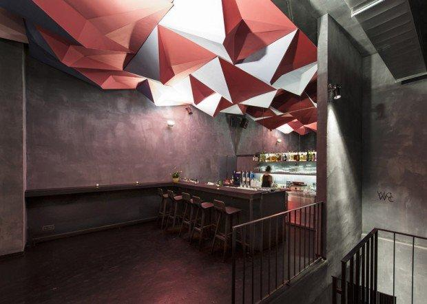Interior design: il soffitto 3D del cocktail bar If Dogs Run Free