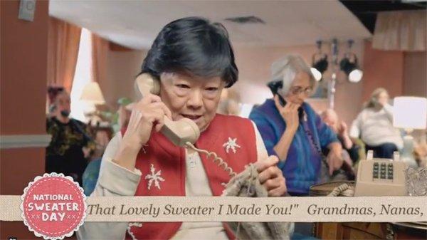 WWF ci invita ad adottare una nonna e i suoi maglioni [VIDEO]