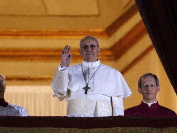Analisi comunicativa del primo discorso di papa Francesco I: buonasera, nuove tecnologie!