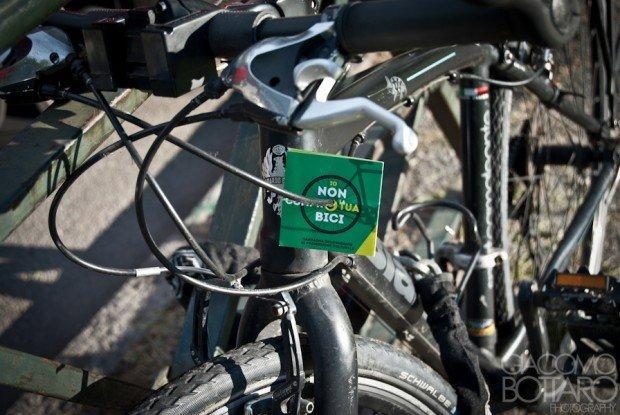 """""""Io non compro la tua bici"""" - il meme virale contro il mercato nero delle biciclette"""
