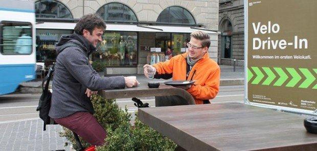 Coffee drive-in per ciclisti, un break senza scendere dal sellino