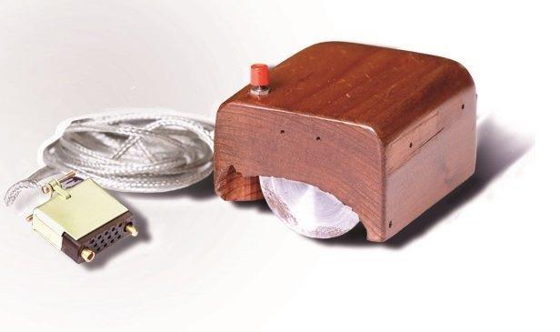 Addio al grande Douglas Engelbart, il visionario inventore del mouse e non solo