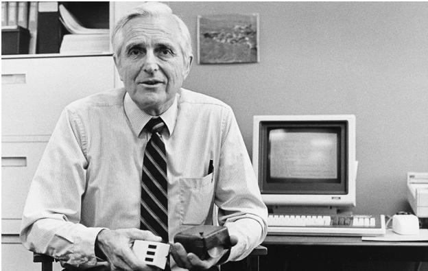 Addio al grande Douglas Engelbart, inventore del mouse e non solo