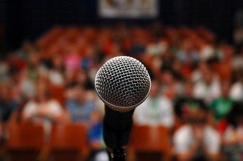 12 regole da rispettare quando si parla in pubblico